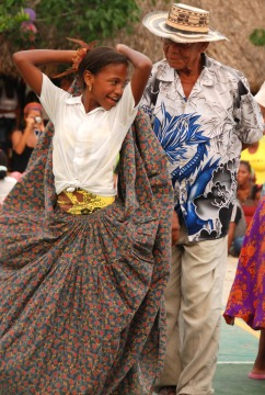 Dancing at Barbacoas School, Santa Ana.