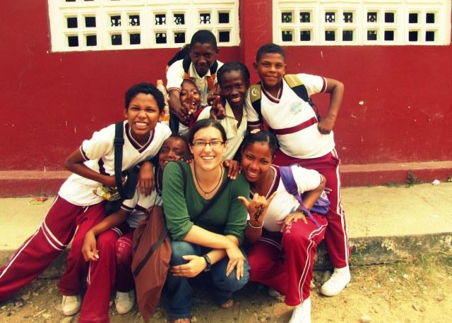 Bryanna with 6th and 7th grade students at Institución Educativa de Santa Ana, Santa Ana, Colombia.