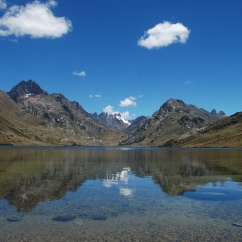 Lago Querococha, on the road between Huaraz and Chavín.