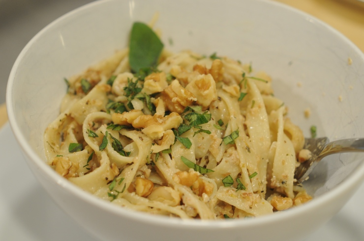 A bowl of pasta with walnut sauce (pasta con salsa di noci)